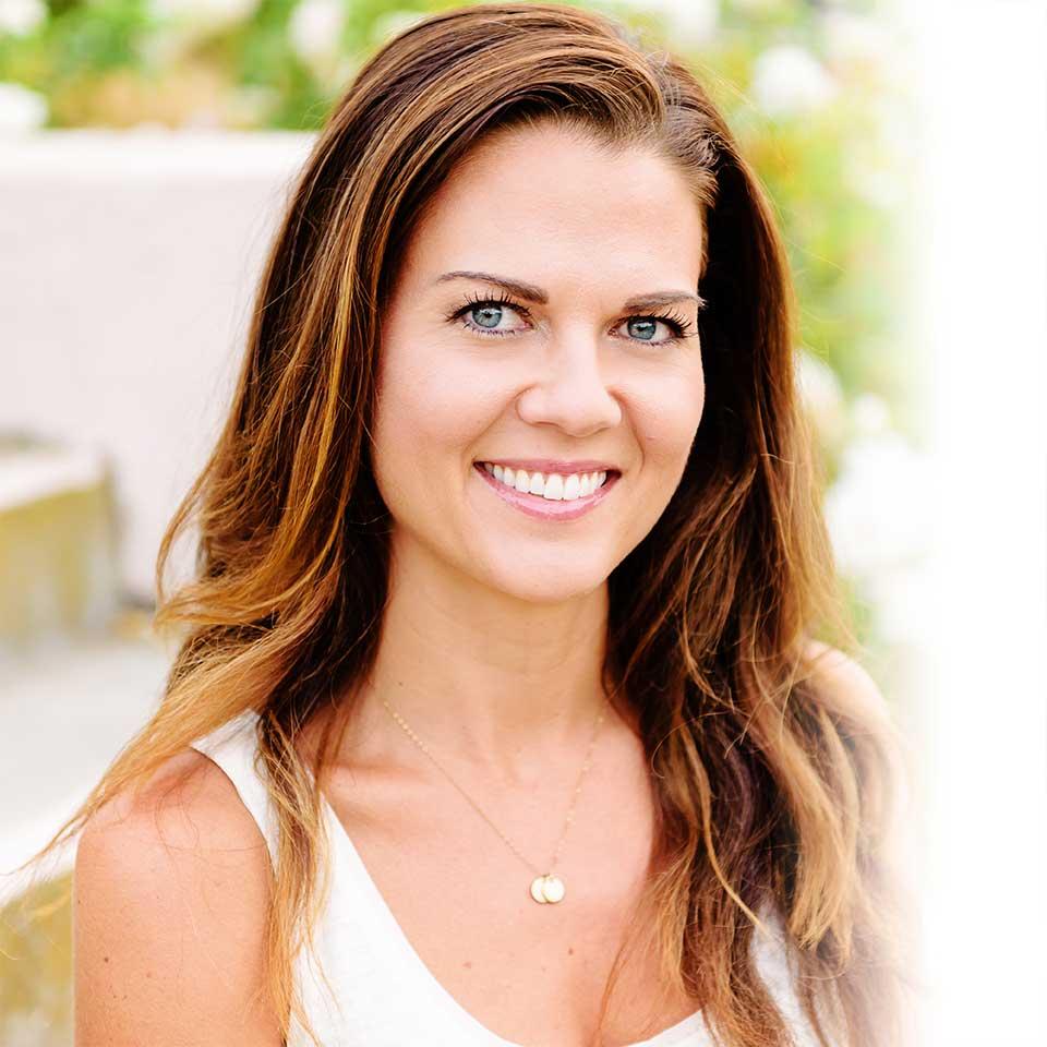 A head shot of Jen Martinsen who teaches holistic health at nutritionbliss.com